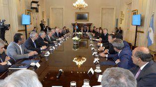 Pacto. En noviembre del año pasado Macri firmó el consenso fiscal con todas las provincias