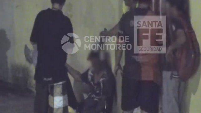 Tenía pedido de captura y lo detienen tomando cerveza en la calle con amigos