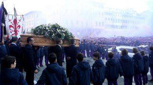 Miles de personas le dieron un emotivo adiós a Davide Astori