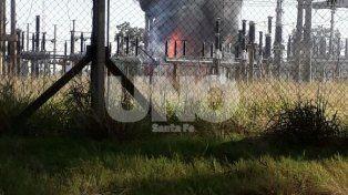El incendio en una estación transformadora dejó sin luz a los departamentos 9 de Julio y San Cristóbal