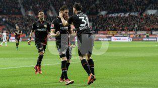 Alario volvió a ser figura en la victoria de Bayer Leverkusen