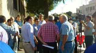 El miércoles pasado la comunidad educativa de la Escuela Barletta se concentró en la puerta de la institución.