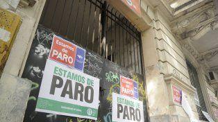 Frente del Centro de Salud de Candioti.
