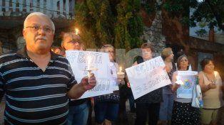Fomento 9 de Julio: Un centenar de vecinos marchó con velas para pedir seguridad