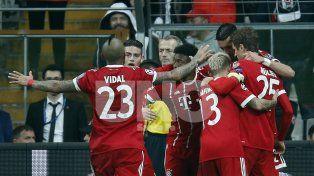 El Münich pasó caminando a los cuartos de la Champions