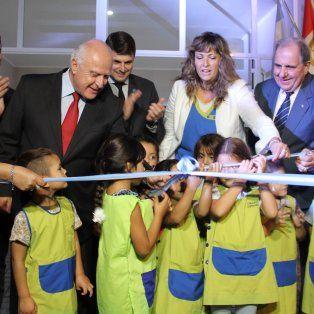 lifschitz inauguro un nuevo jardin de infantes en san carlos sud