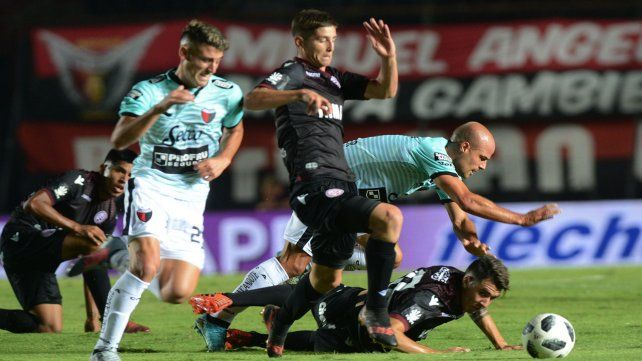 Lanús lo dio vuelta y se llevó un gran triunfo ante Colón  por la Superliga