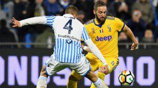 Juventus dejó dos puntos y Napoli sueña