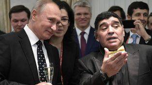 Maradona felicitó a Putin tras su victoria en las elecciones de Rusia