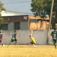 VIDEO: el gol maradoniano de un jugador de Peñaloza recorre el país