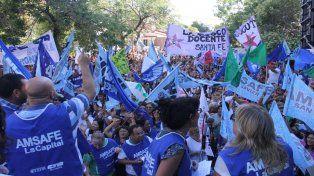 los docentes deciden en asamblea si aceptan o no la propuesta paritaria del gobierno