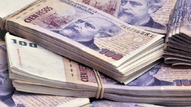 Santo Tomé: encontró dinero en una garita de colectivo, buscó a su dueño y lo devolvió