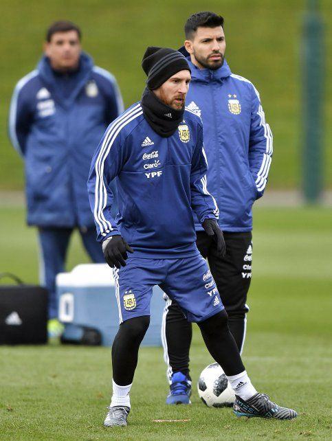 Lionel Messi no estará presente en el duelo ante la Azzurra