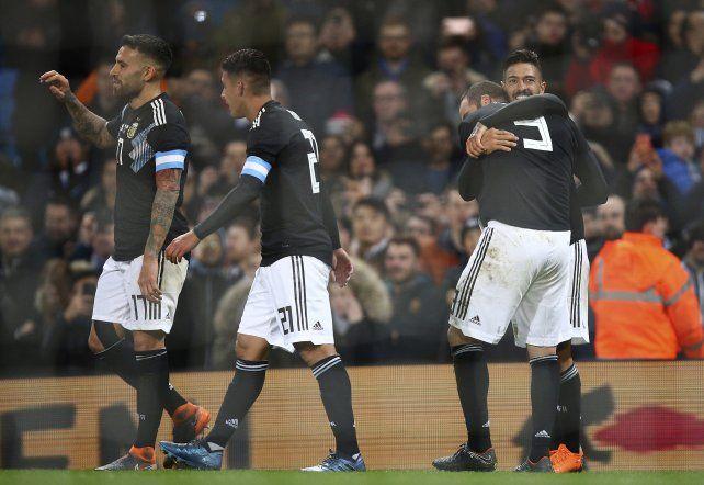 Lanzini: Por momentos se vio buen fútbol