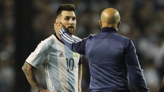 A Messi le ponen un revólver en la cabeza llamado Copa del Mundo