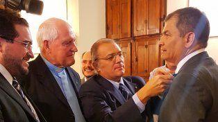Los exalumnos de Inmaculada, con Rafael Correa