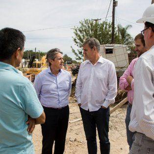 Recorrida. El ministro de Infraestructura y Transporte, José Garibay, y el concejal Emilio Jatón observaron los trabajos.