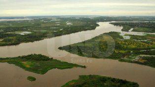 Buscan a un policía desaparecido al caer en el río Paraná