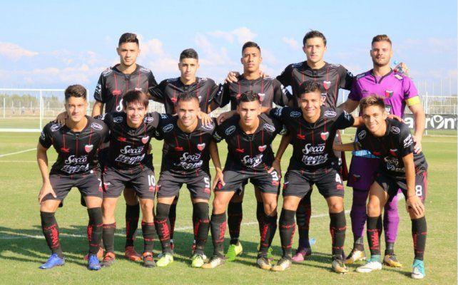 Colón se llevó un valioso empate ante Godoy Cruz en Reserva