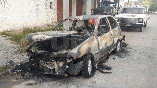 Nuevo auto quemado en la ciudad