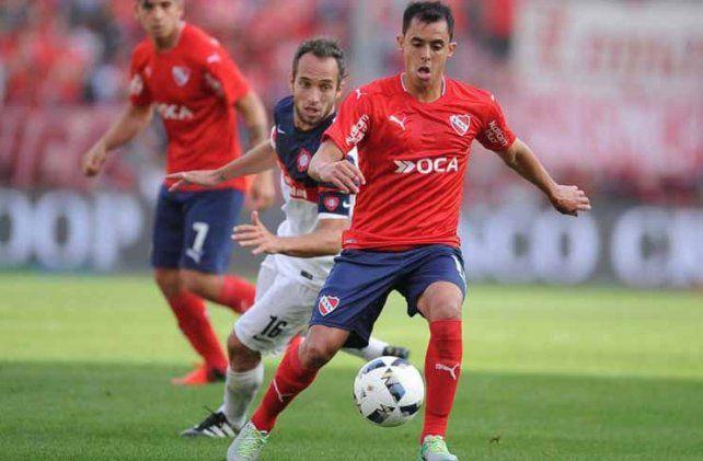 Independiente-San Lorenzo, ante la atenta mirada de los equipos santafesinos