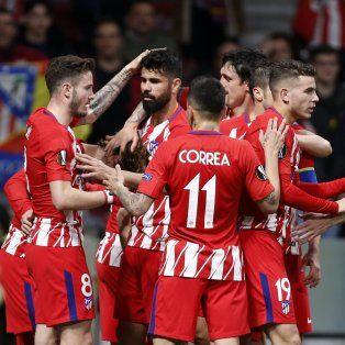 el colchonero dio un gran paso hacia las semis de la europa league