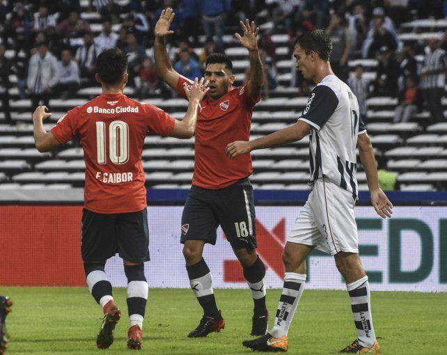 Independiente sufrió mucho pero se llevó todo desde el Kempes