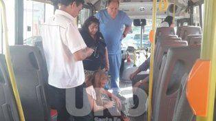 Chofer héroe: socorrió a una mujer que sufrió un ataque epiléptico en pleno viaje