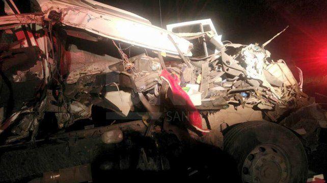 Accidente entre dos camiones sobre la autovía 19.
