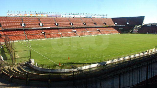 En AFA se evalúa que Colón-Vélez continúe a puertas cerradas