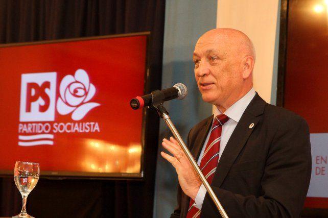 El exgobernador será reelecto al frente del Partido Socialista