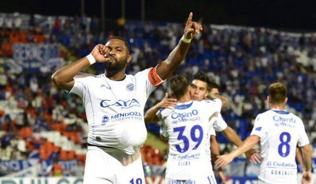 Godoy Cruz se quiere poner a tiro de Boca en Mendoza