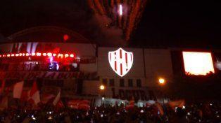 Los Tatengues iluminaron la ciudad para festejar sus 111 años