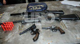 La policía necesita 11 días para secuestrar las armas que se venden en un día