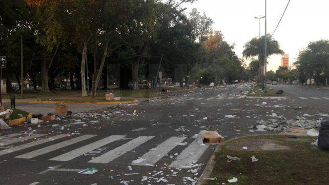Lo que el viento no se llevó: así amaneció la Costanera tras la Fiesta de Guadalupe