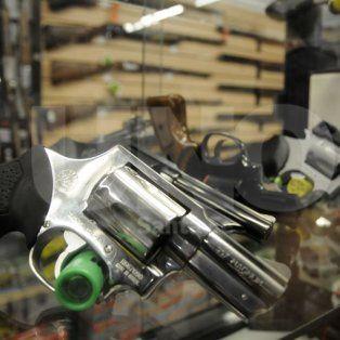 en la ciudad de santa fe se venden 26 armas y casi 5.000 balas por dia
