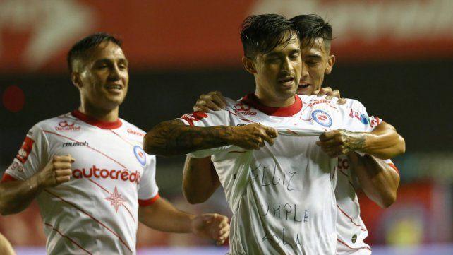 Pisculichi le dio el triunfo a Argentinos, que se ilusiona con la Copa