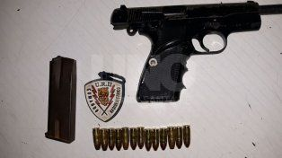 Cayó un tiratiros con una arma de guerra cargada con 11 balas