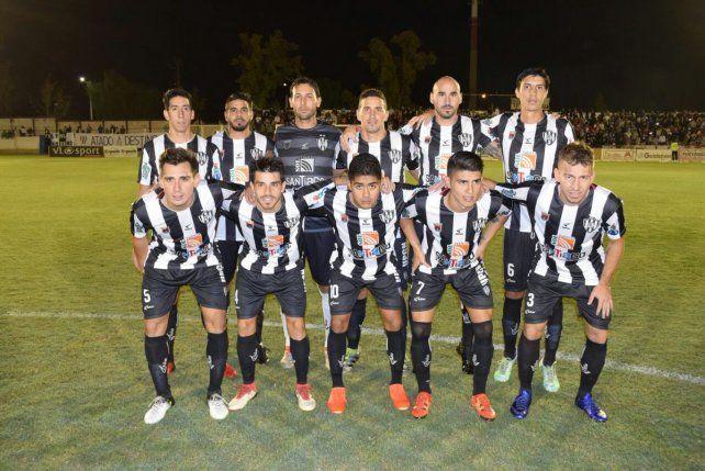 Con varios exjugadores del fútbol santafesino, Central Córdoba volvió a la B Nacional