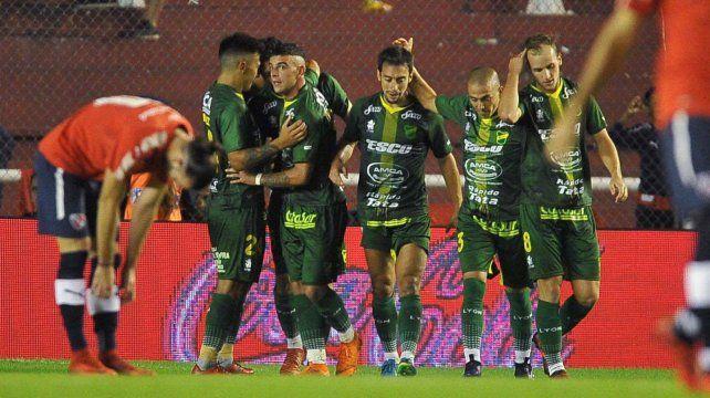 Defensa dio el golpe en Avellaneda y sacó a Unión de la Sudamericana