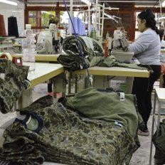 Promueven la capacitación de los trabajadores de la cooperativa Enhebrando metas