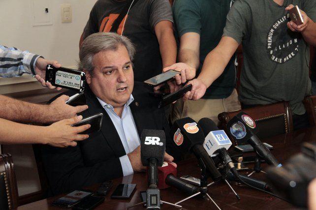 Anuncio. El ministro Farías adelantó los detalles sobre el bono que cobrarán los agentes de la administración central.