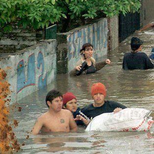 a 15 anos de la inundacion: entre listas y centros de evacuados, perdidos en la misma ciudad