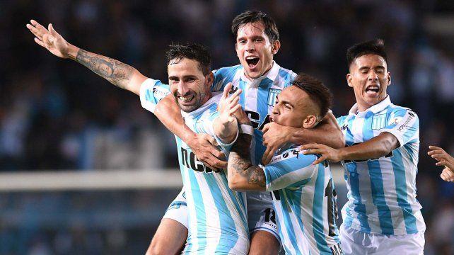 Racing ganó y se metió en los octavos de la Libertadores