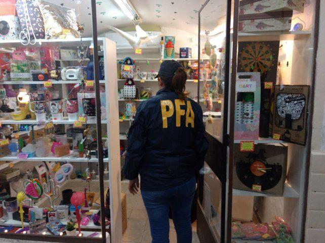 Hubo 12 allanamientos con secuestro de drogas y mercadería de contrabando