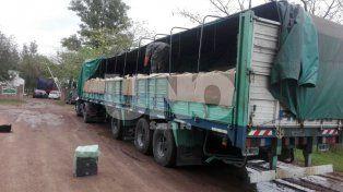 En un camión transportaba 30 kilos de hojas de coca disimulados entre bolsas de azúcar