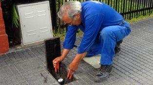 La Defensoría insiste con los medidores de agua para evitar facturaciones injustas