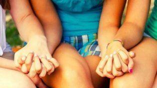 la provincia abre la convocatoria  para la adopcion de tres hermanas