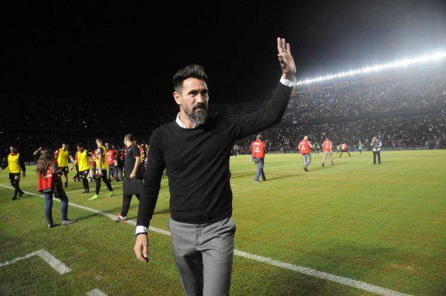 Eduardo Domínguez dio la lista de concentrados para recibir a Vélez