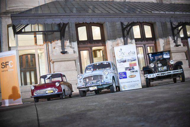 Los autos clásicos y antiguos, protagonistas del Rally Vuelta de la Constitución